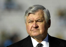 Head shot of Jerry Richardson